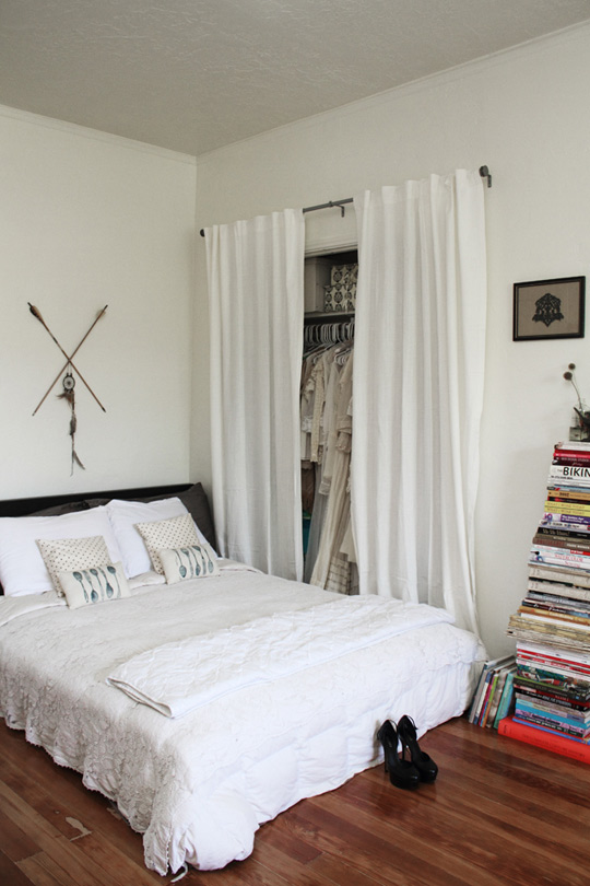The Peak of Très Chic: Stylish Small Space