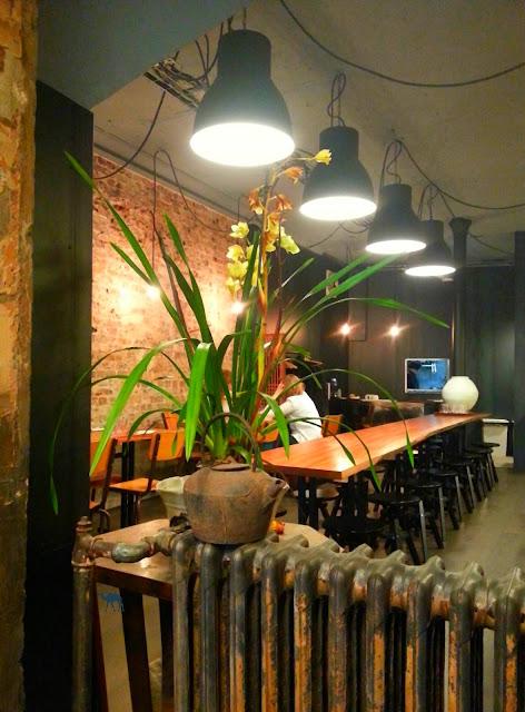 Le Chameau Bleu - Blog Gastronomie Bistro Coréen Mee - Mee Salle du fond - Restaurant Coréen Paris