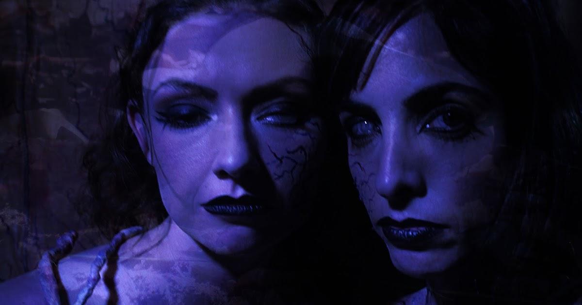 The dominatrix vampire's lesbian slave