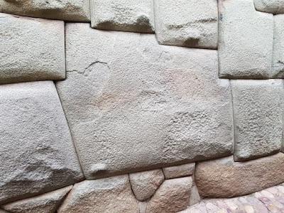Piedra de 12 ángulos de Cuzco