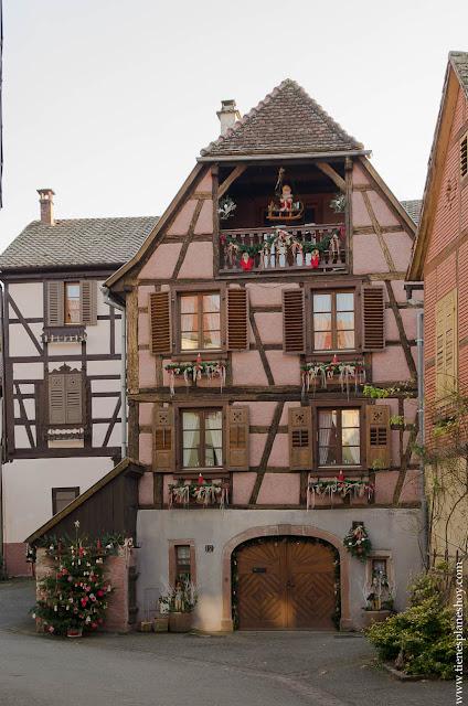 Hunawihr pueblo Alsacia Navidad