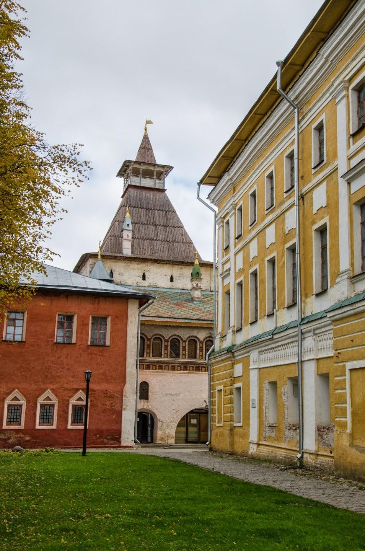 Ростовский Кремль. Внутренний дворик