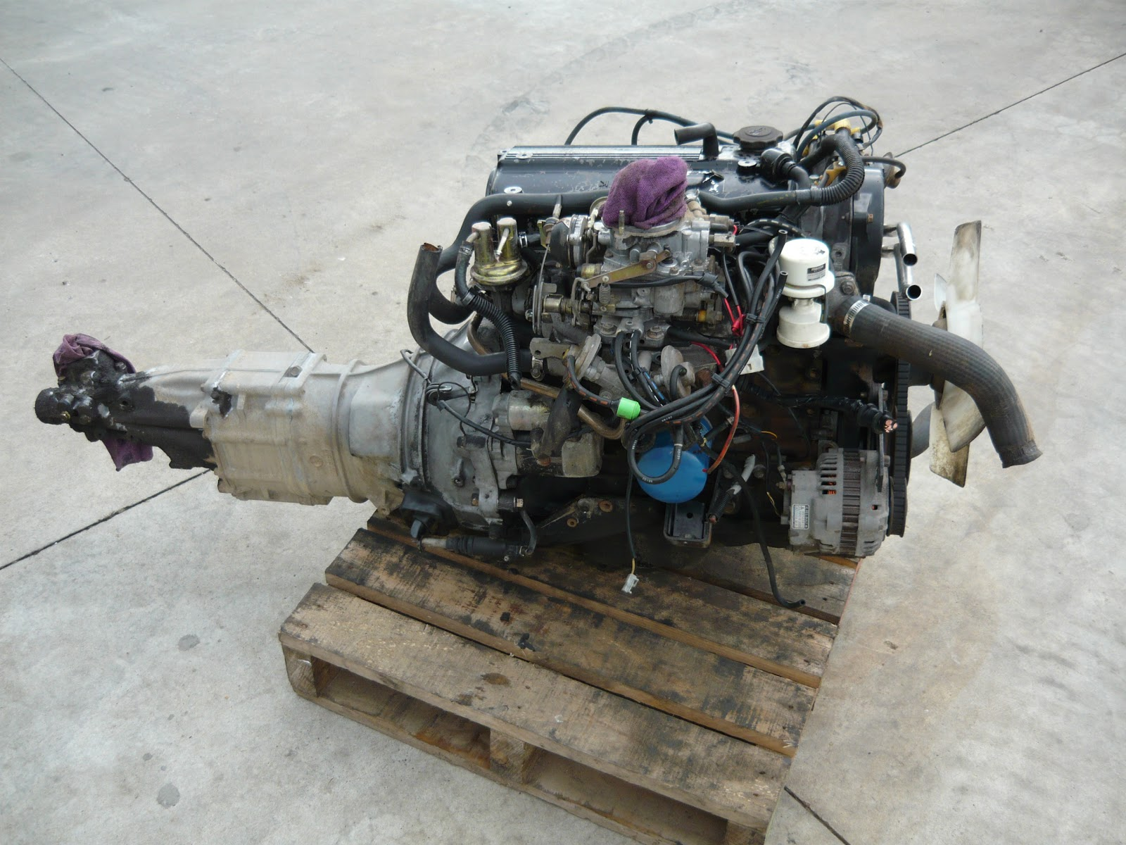 mazda b2200 engine for rebuild [ 1600 x 1200 Pixel ]