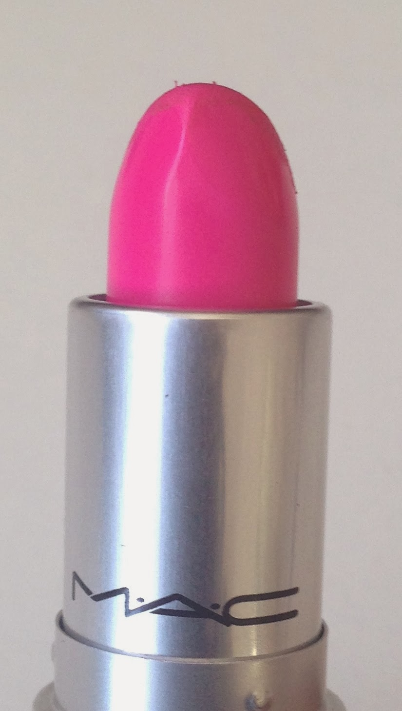 Pink lipstick yum yum of MAC