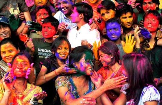 How To Celebare Holi