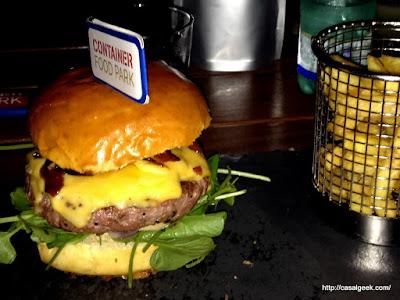 Está Chovendo Hambúrguer - Container Food Park