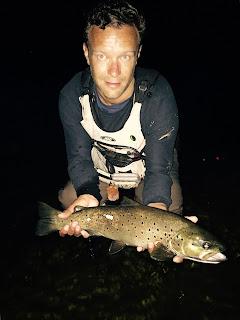 pecheur-a-la-mouche-Monceauxsurdordogne_ fishing dordogne