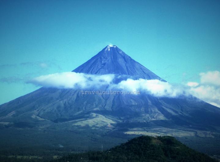 Mayon, volcano, mt. mayon, active volcano, philippines