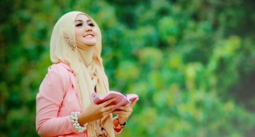 Pakaian Menurut Agama Islam
