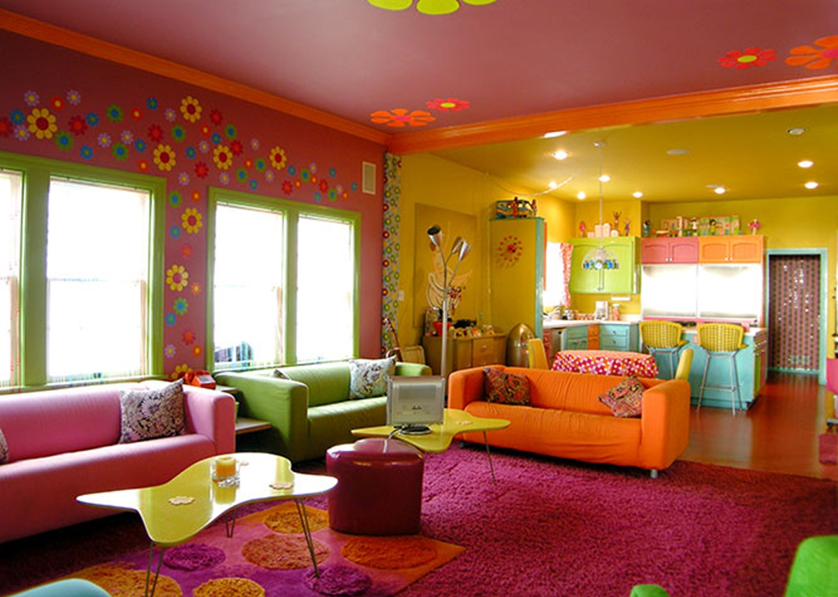 Full Modern Hippies Colorful Beach Interior Paint Design