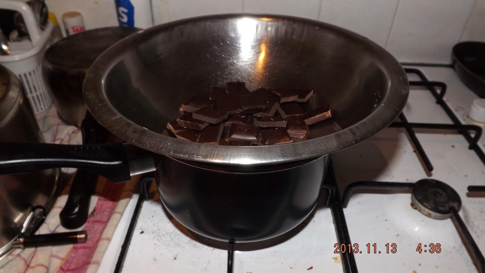 A házi isler csokimáza egy lábosban készül