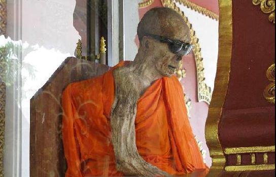 В йога сутре нет никакой связи между самадхи и смертью,