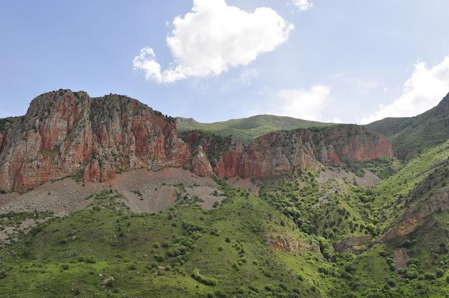 Nofilter Travel Photos Armenia Scenery Surrounding Noravank Monastery