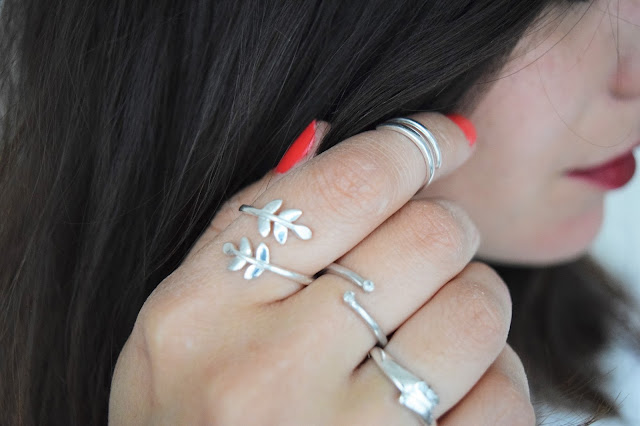 Style | JewelleryBox.co.uk - Roman Leaf Ring and Band Midi Ring