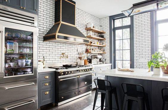 Musta keittiö, unelmakeittiö, bistro keittiö