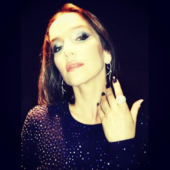 Moda y Belleza de Natalia Oreiro en Martin Fierro @Blocdemoda
