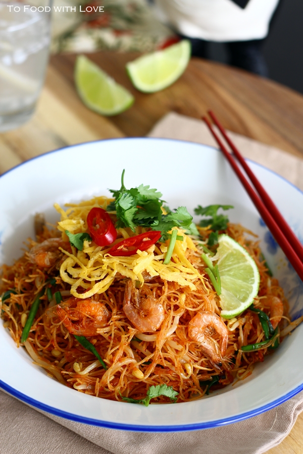 Fried Mee Siam (Vermicelli) with Crispy Shrimp!