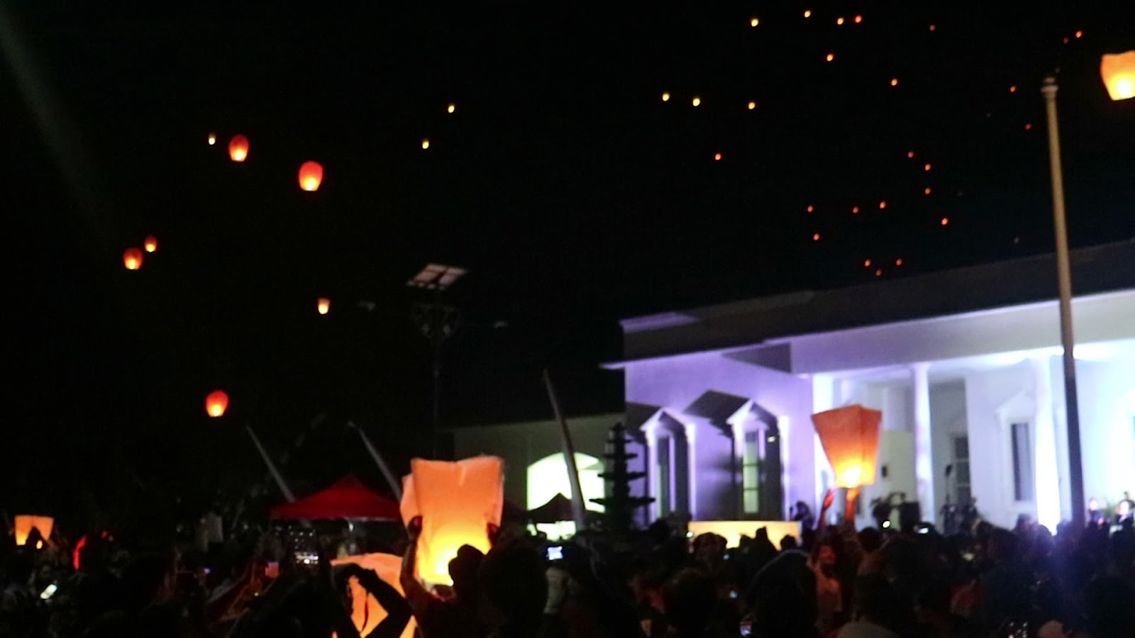 Pura Bhuana Puja 100 Cahaya 100 Harapan Untuk Indonesia