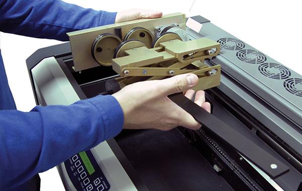 Làm thế nào để khắc thủy tinh bằng máy laser?