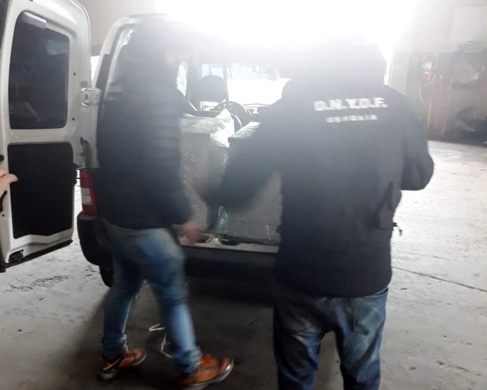 Secuestran 20 kilos de marihuana dos detenidos