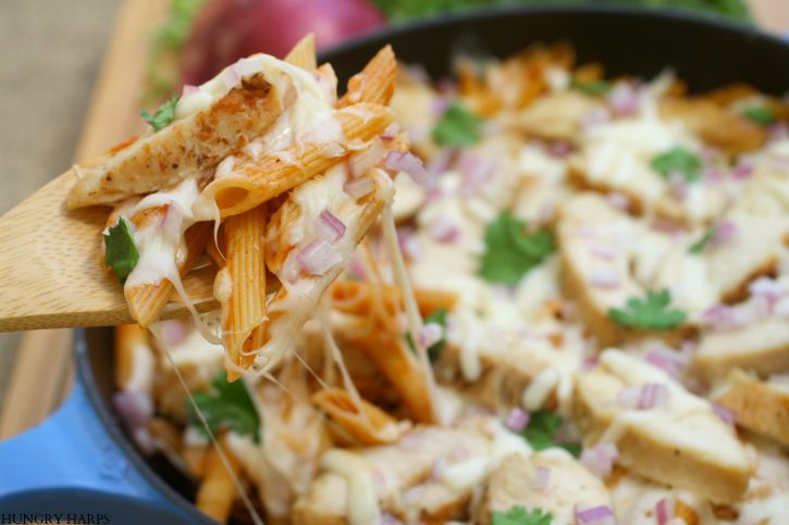 Hungry Harps: [ad] 10 Minute Skillet BBQ Chicken Pasta