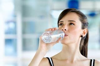 beneficios de beber agua, Cuanta agua hay que tomar, El Agua, el agua es esencial, Importancia del Agua,