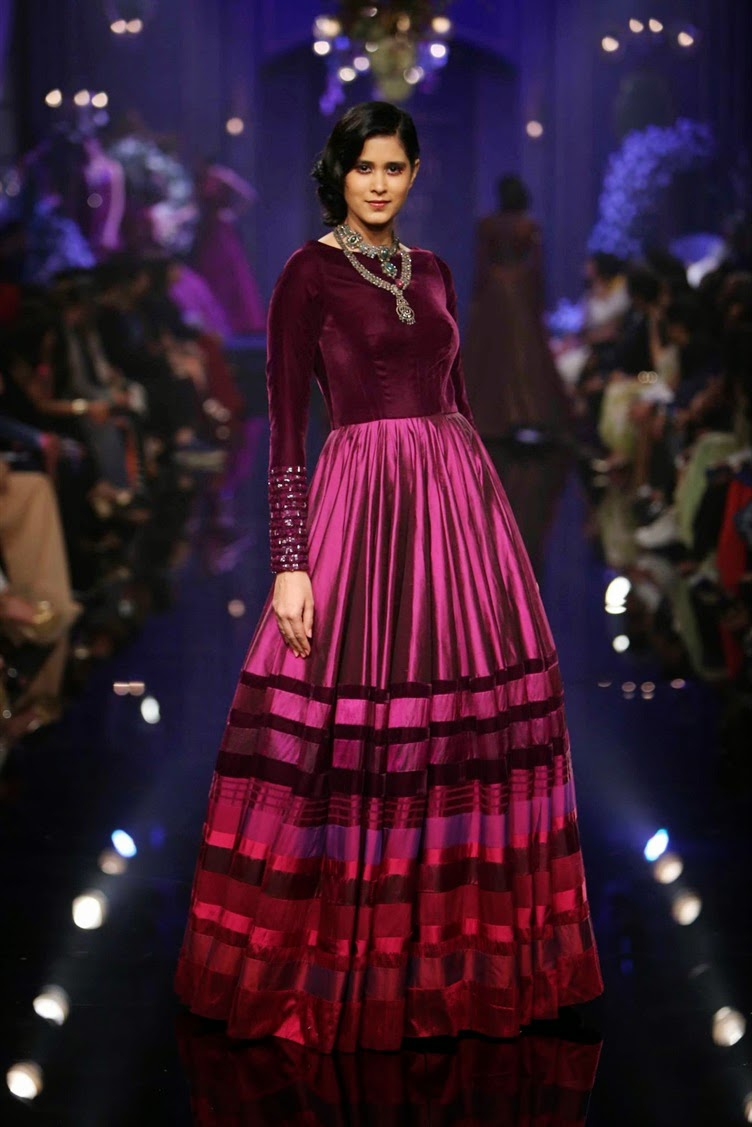 Lakmé Fashion Week Winter Festive 2018: Fashion Metropolitan: Manish Malhotra