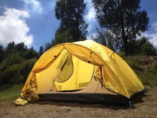 Camping di gunung Bromo