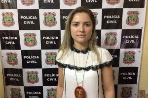 Tiro atinge carro da delegada de Santa Quitéria em Fortaleza