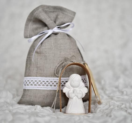 With Linen Gift Bag