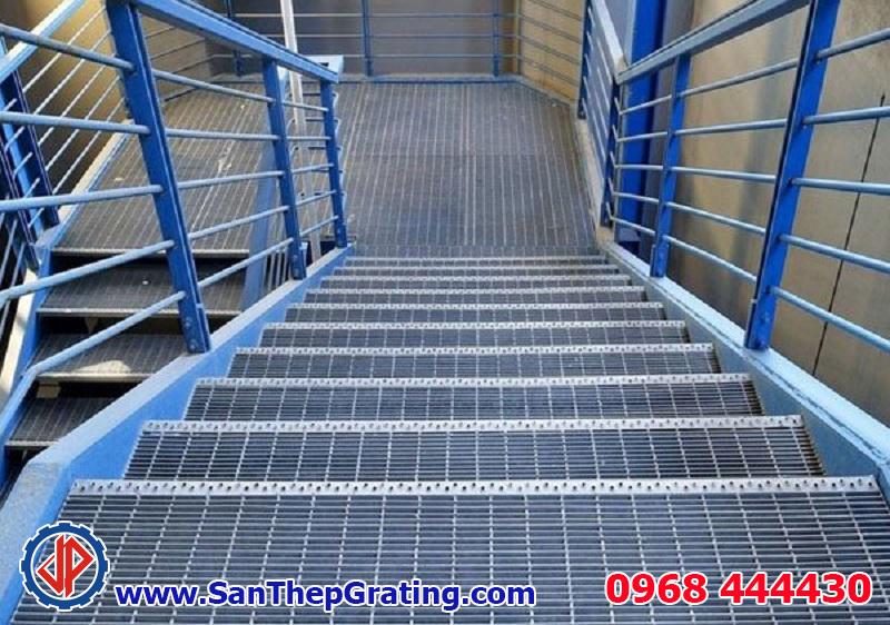 Bậc cầu thang grating chất lượng cao, bền, đẹp, giá thành tốt nhất thị trường