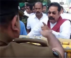 Gang of cyclists come to parliament ...Mahinda shouts when police halt them