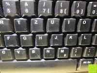 mittig: Logitech K200 Tastatur USB schnurgebunden schwarz OEM (deutsches Tastaturlayout, QWERTZ)