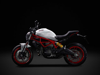 Prueba-Ducati-Monster-797-lateral