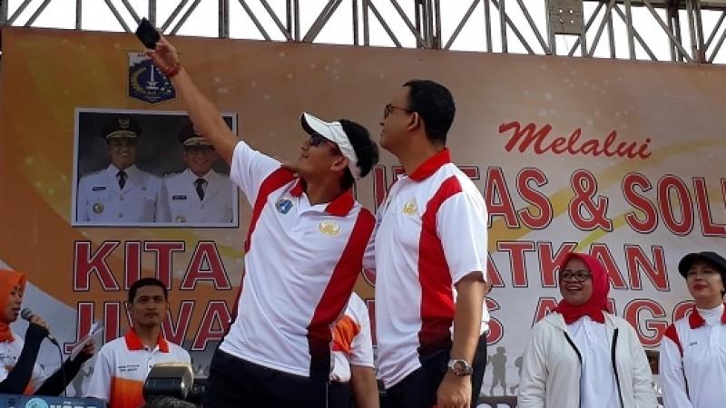 Anies-Sandi selfie bareng di acara tea walk Korpri DKI Jakarta