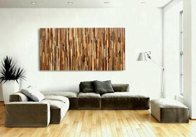 Memanfaatkan kayu bekas palet menjadi sebuah hiasan indah adalah solusi cerdas bagi yang tidak mau mengeluarkan banyak uang. Tinggal memotong kecil-kecil dan menyusunnya sedemikian rupa.