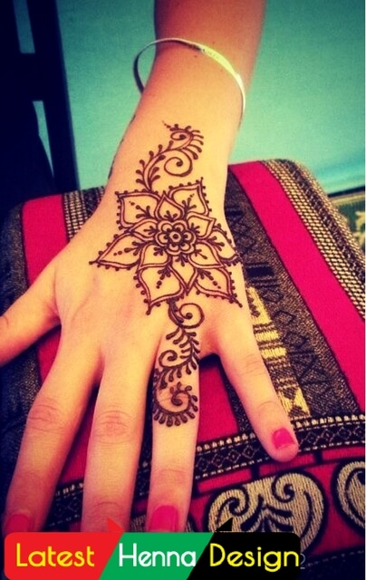 Simple henna designs: I like it because of its detailed pattern that increase his beauty-latesthennadesigns