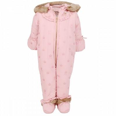 0e1c546b463 Ο Roberto Cavalli δεν μπορούσε παρά να βάλει λεοπάρ φόδρα.. Τέλος το  αναμενόμενο ροζ από τη Juicy Couture! Οι τιμές τώρα είναι.