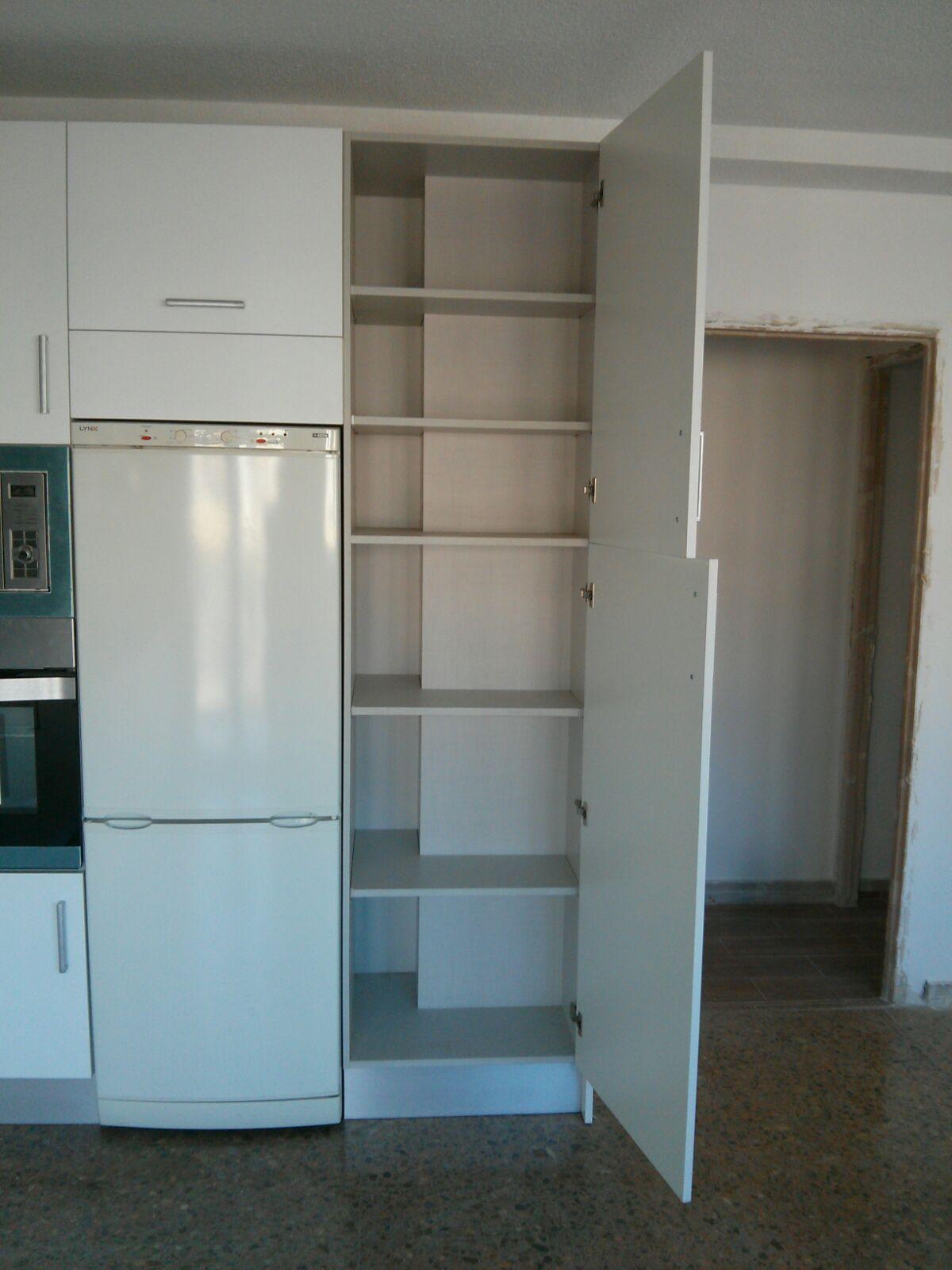 Carpinteria los molinos cocina modelo maxximatt blanco for Mueble persiana cocina