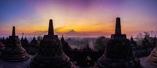 Looking at the Breathtaking Sunrise from Borobudur Temple, Central Java1