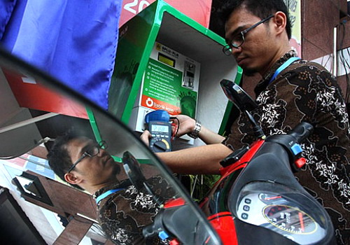 Tinuku PLN's Indonesian electricity company has set up battery charging station