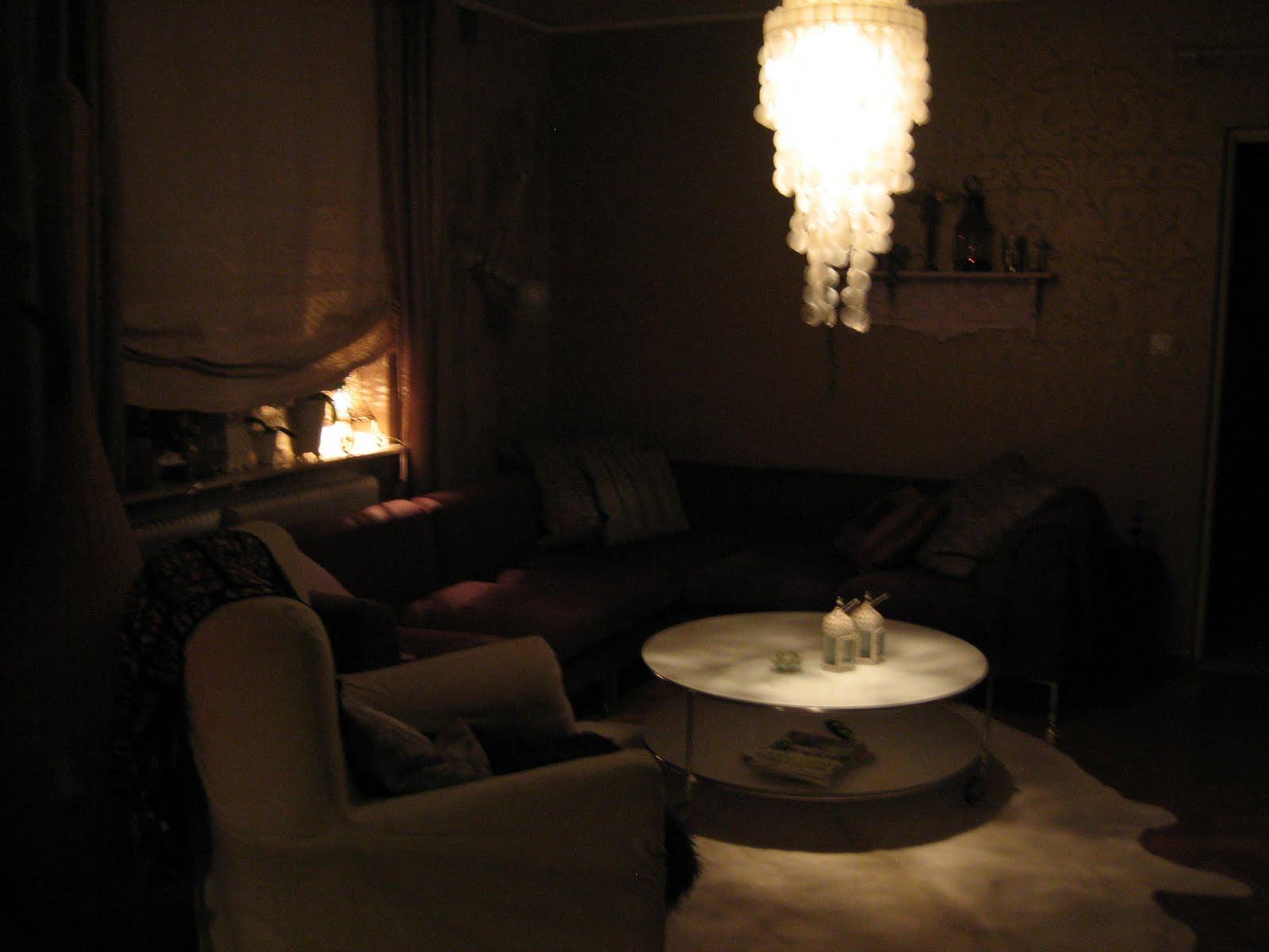 Bohemian Titta mig omkring hemma Nästan alla våra möblerär köpta på blocket Soffa,soffbord
