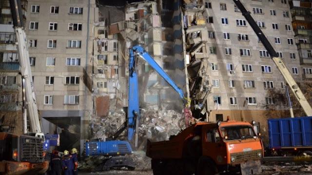 Ζωντανό εντοπίσθηκε 10 μηνών μωρό στα ερείπια της πολυκατοικίας που κατέρρευσε στη Ρωσία