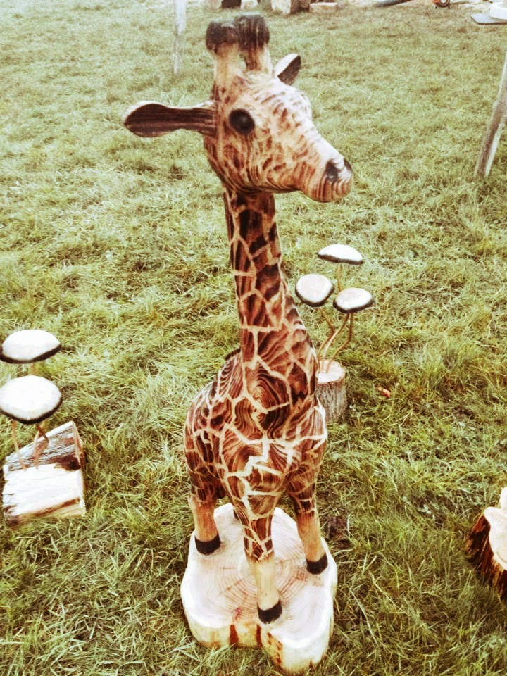 Giraffe Ashley Chamberlain. Travelling Wood Carver