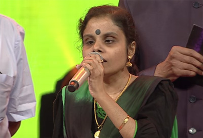 Manninkural female | Vaikom Vijayalakshmi | Mirchi music awads south 2015