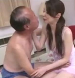 Nonton Bokep, Ayah Bejat Ngentot Anak Kandung Demi Memuaskan Hasratnya