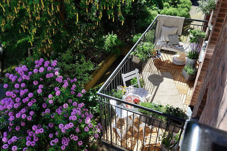 Patio Plans For Inspiration: Wisp + Whim: Outdoor Living : Small Patio & Balcony