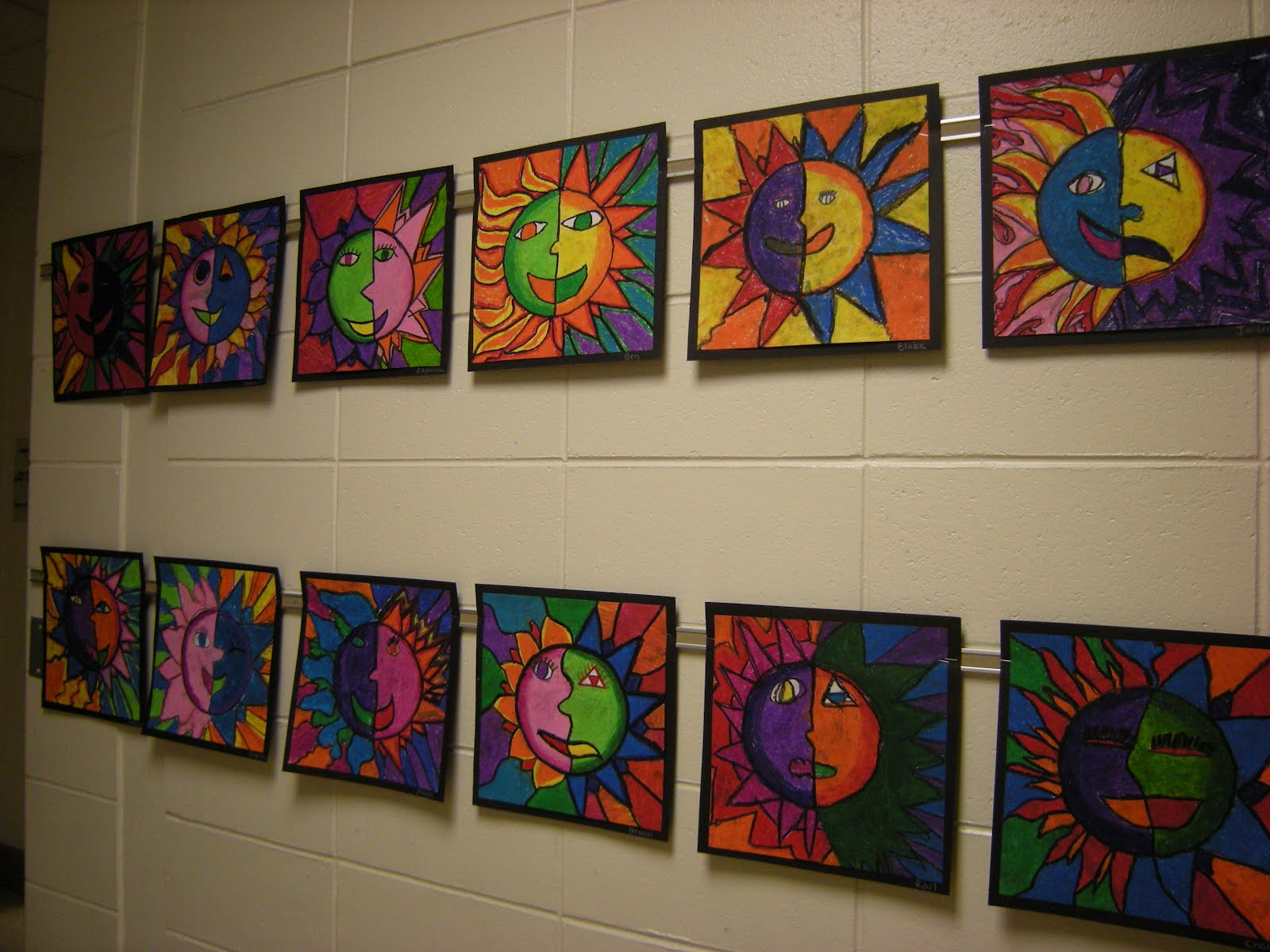 WHAT'S HAPPENING IN THE ART ROOM??: Feb 22, 2012