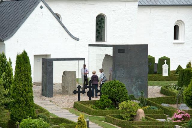 Pedras de Jelling, Dinamarca - declarado Patrimônio da Humanidade pela UNESCO