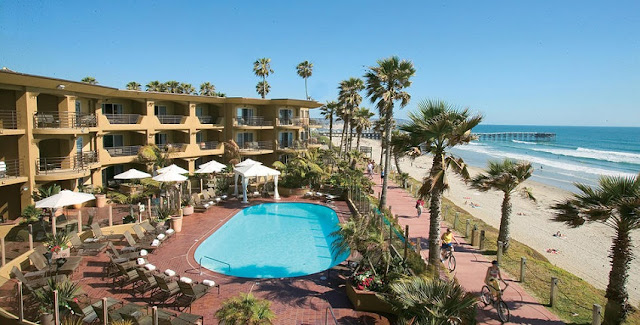 Movimentação de turistas e hospedagens no mês de abril em San Diego